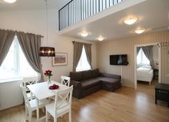Ice Apartments Akureyri - Akureyri - Living room