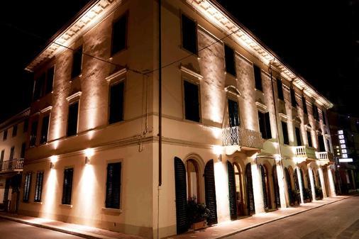 Hotel Savoia E Campana - Montecatini Terme - Κτίριο