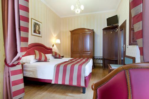 Hotel Piazza Di Spagna - Rooma - Makuuhuone