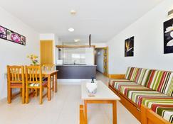Apartamentos Lido - Ibiza - Living room