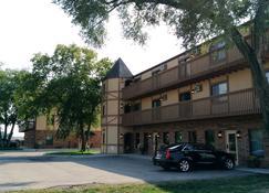 Alexis Park Inn and Suites - Iowa City - Gebäude