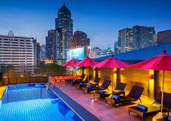 素坤逸麗亭酒店 - 曼谷 - 游泳池