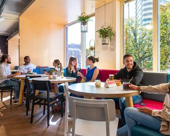 Stayokay Hostel Utrecht Centrum - Utrech - Restaurante
