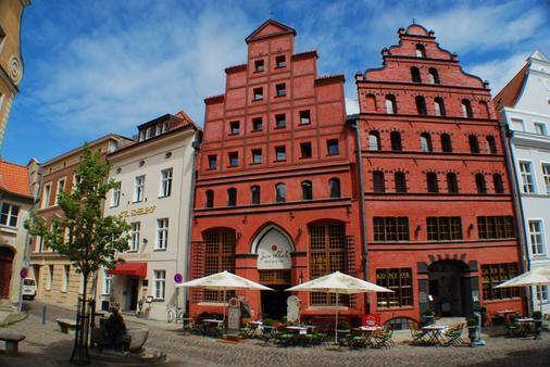 Romantik Hotel Scheelehof - Stralsund - Toà nhà