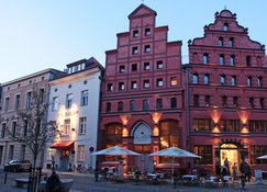 Romantik Hotel Scheelehof - Stralsund - Außenansicht