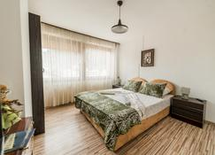 Rooms & Apartment GH Pasha - Tuzla - Bedroom