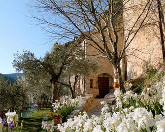 Guesthouse Runcini dormire in un borgo medievale - Ferentillo - Outdoors view