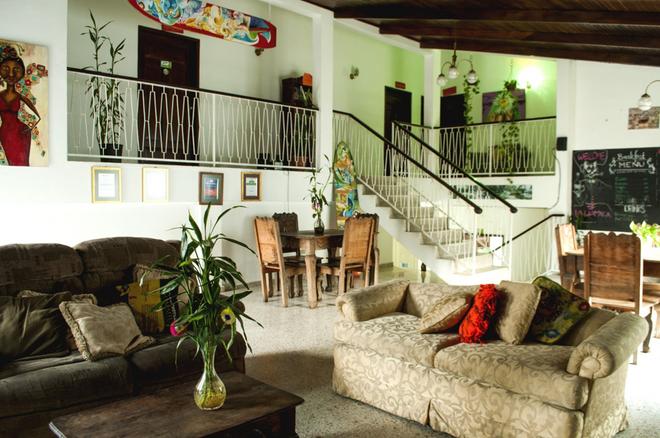 La Hamaca Hostel - San Pedro Sula - Wohnzimmer