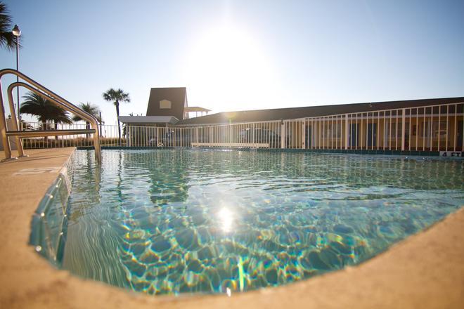 埃奇沃特酒店 - 聖奧古斯汀 - 聖奧古斯丁 - 游泳池