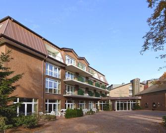 Waldhotel Tannenhäuschen - Wesel - Building