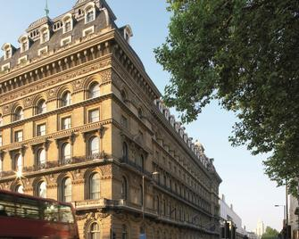 Amba Hotel Grosvenor - London - Building