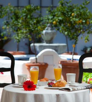 Spanish Garden Inn - Santa Barbara - Ruoka