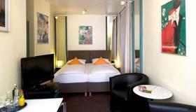 Monopol Hotel - Düsseldorf - Schlafzimmer