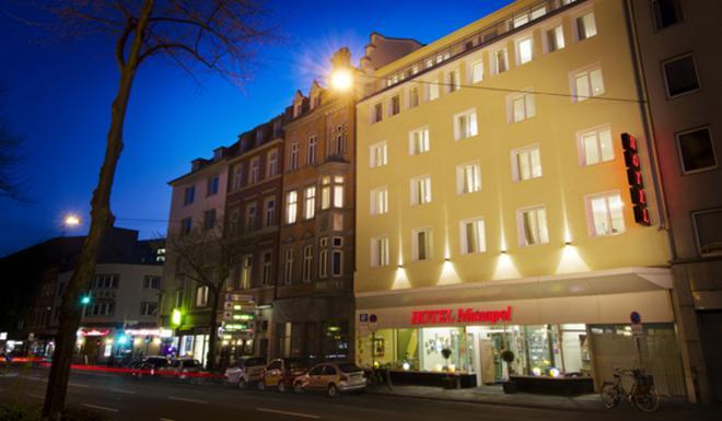 Monopol Hotel - Düsseldorf - Toà nhà