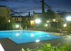 B&B Il Nido del Merlo - Pistoia - Pool