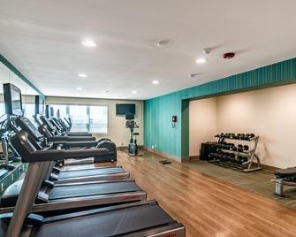 Holiday Inn Express & Suites Camarillo - Camarillo - Gym