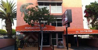 Metropolitan Inn & Suites - Los Angeles - Building