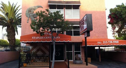 Metropolitan Inn & Suites - Los Angeles - Toà nhà