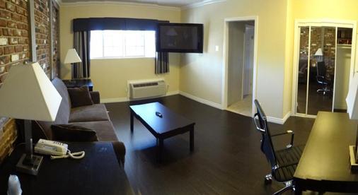 Metropolitan Inn & Suites - Los Angeles - Phòng khách