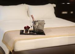 Neranxi Boutique Hotel - Ish Divina - Tirana - Bedroom