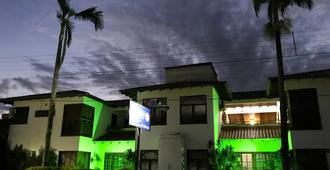 Oceano Pousada Bombas - Bombinhas - Building