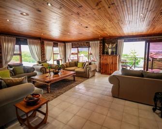 White Shark Guest House - Gansbaai - Lounge