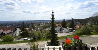 Budai Hotel - Budapest - Outdoor view