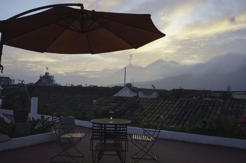 Hotel El Carmen - Antigua - Βεράντα