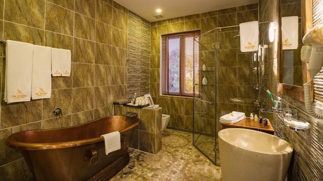 Les Bambous Luxury Hotel - Siem Reap - Bathroom