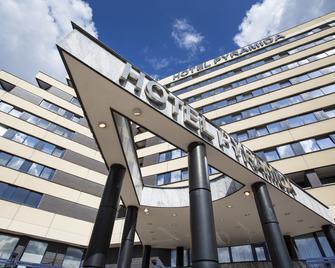 Orea Hotel Pyramida - Прага - Building