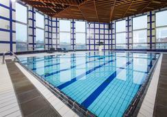 Orea Hotel Pyramida - Prague - Pool