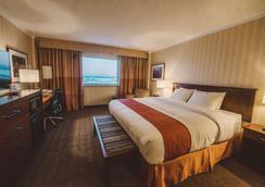 The Explorer Hotel Yellowknife - Yellowknife - Bedroom