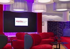 Intercityhotel Berlin Hauptbahnhof - Berlin - Lounge