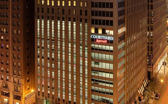 Courtyard By Marriott Chicago Downtown Magnificent Mile 99
