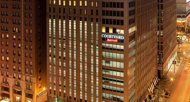 Courtyard by Marriott Chicago Downtown/Magnificent Mile - Chicago - Gebäude