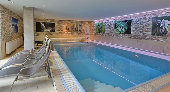 Hotel Garni Fiegl Apart - Sölden - Pool