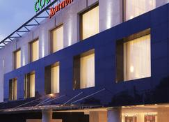 Courtyard by Marriott Kochi Airport - Kochi - Building