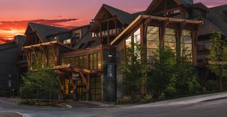 Solara Resort and Spa - Canmore - Building