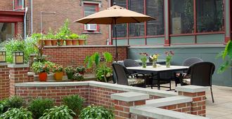 The Lafayette House Bed & Breakfast - Grand Rapids - Patio