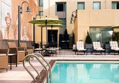 居住館由萬豪聖地牙哥伯納多牧場/斯克里普斯波韋酒店 - 聖地牙哥 - 聖地亞哥 - 游泳池