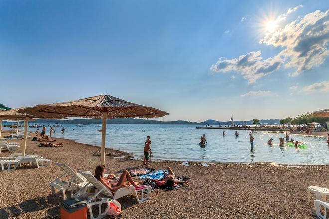 Croatia Camp Miller Homes Vodice - Vodice - Beach