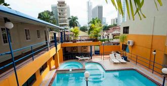 La Cresta Inn - Ciudad de Panamá - Piscina
