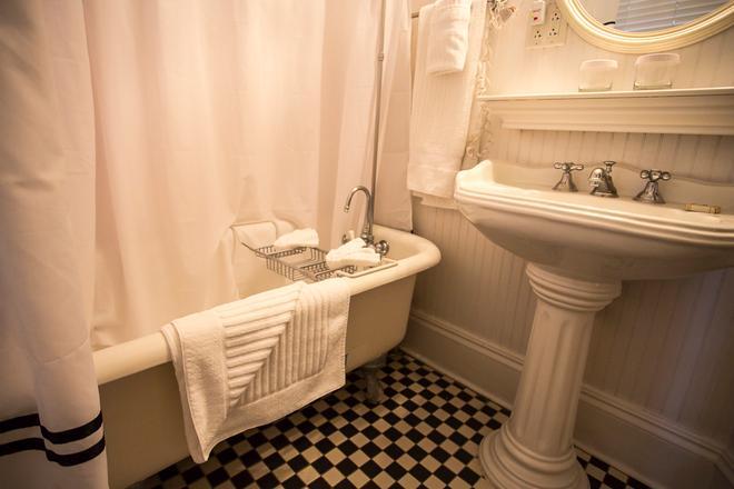 馬歇爾酒店 - 沙凡那 - 薩凡納 - 浴室