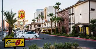 Ellis Island Hotel - Las Vegas - Edificio