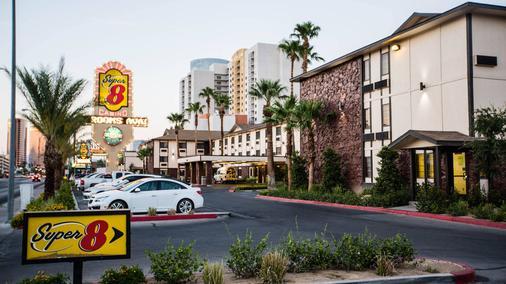 埃利斯島賭場拉斯維加斯大道區速8酒店 - 拉斯維加斯 - 建築
