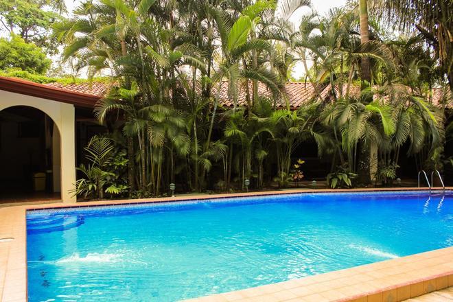 Hotel Villas Lirio - Manuel Antonio - Uima-allas