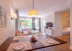 Appartment-Hotel Seeschlösschen - Timmendorfer Strand - Sala de estar