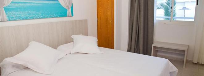 Apartamentos Panoramic - Ibiza - Makuuhuone