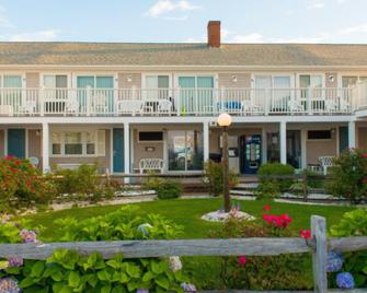 The Colony Beach Motel - Dennis Port - Building