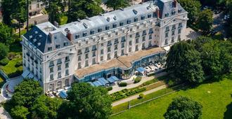 Waldorf Astoria Versailles - Trianon Palace - Versailles - Building